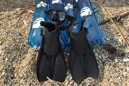 海水浴シーズン到来、海で遊ぶ!シュノーケリング+浮き輪ベッドはいかが。