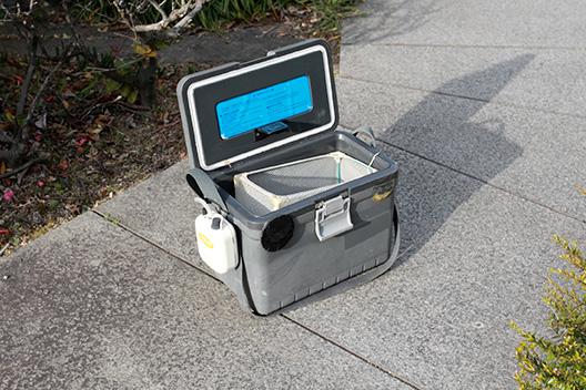 シラサエビ用クーラーボックスなら第一精工の飛ビ出スエビ元気が使いやすい。