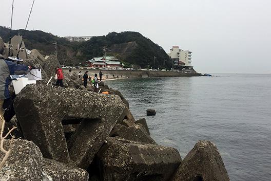 加太漁港 テトラ